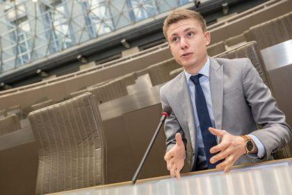 Filip Brusselmans na toegeving Jambon extra geld cultuur-projectsubsidies:
