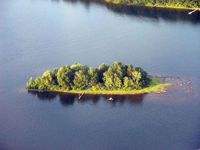 Hasil gambar untuk Underwood Island