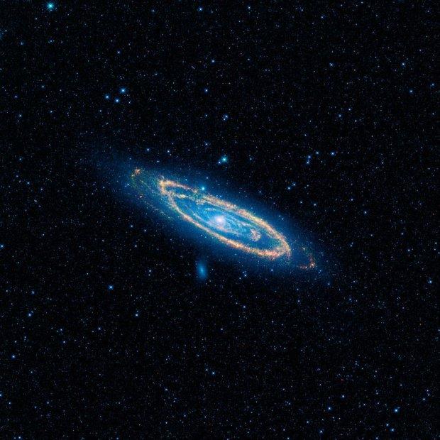 Учёные рассказали что случится при столкновении галактик Андромеда и Млечный Путь