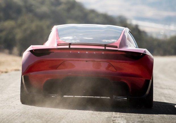 Tesla Roadster получит опцию повышения динамики