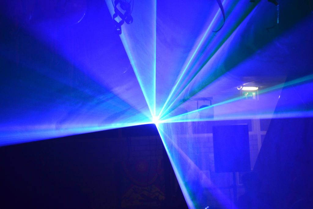 Spectaculaire lasershow (s) op maat