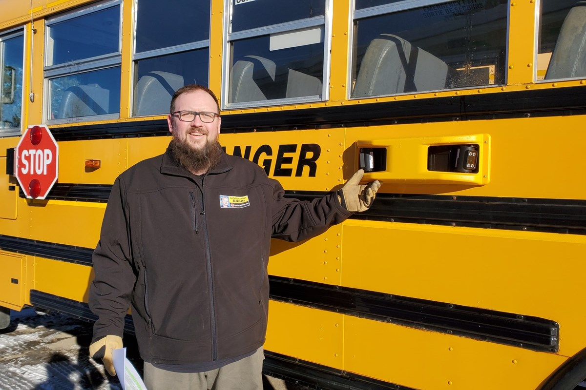 Tech :  Toutes les municipalités peuvent choisir d'équiper les bus scolaires locaux sans frais  , avis