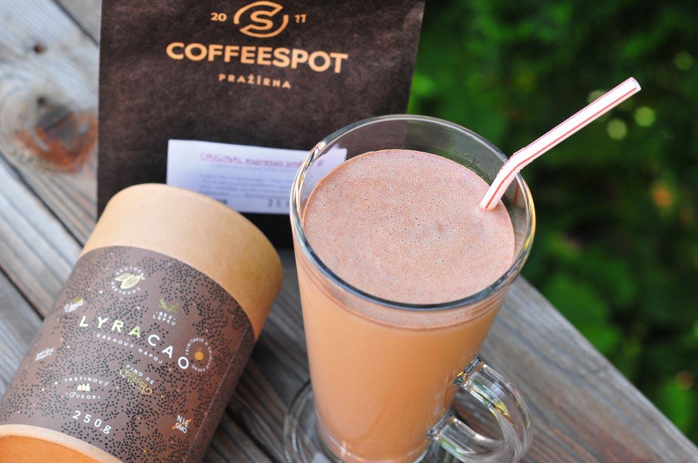 ľadová káva moccacino šejker