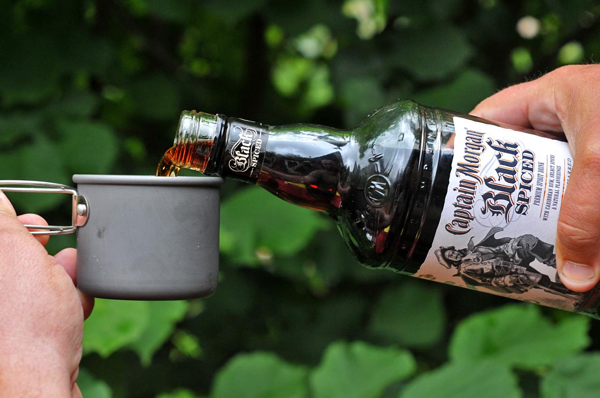 rum captain morgan black spiced