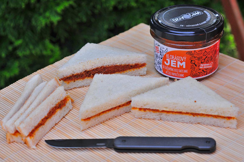 dzivočina klobásový slaninový cibuľový džem
