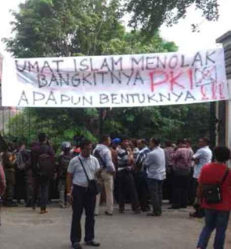 Ummat Islam dan Masyarakat Solo Tolak Kebangkitan Komunis Apapun Bentuknya!