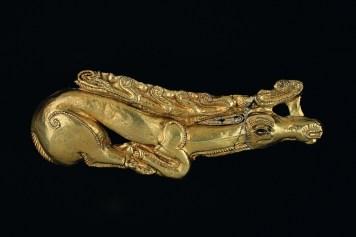 fibula aurită - szkita aranyszarvas kisebb