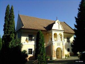 prima scoala românească din scheii brasovului