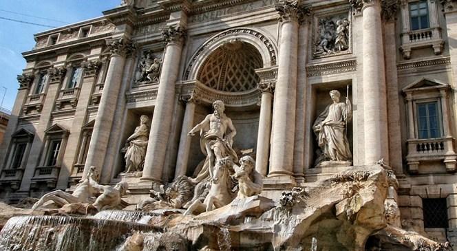 """Fontana di Trevi – fontana koja """"zarađuje"""" 3000 evra dnevno"""