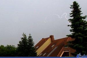 Ein Blitz vom vergangenen Wochenende (Foto: Hell)
