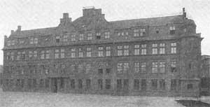 Direktionsgebäude, erbaut 1922/23. (Quelle: Saarstahl AG)