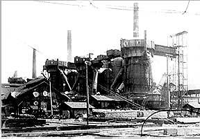 Die Hochofengruppe um 1900 (Quelle: Saarstahl AG)