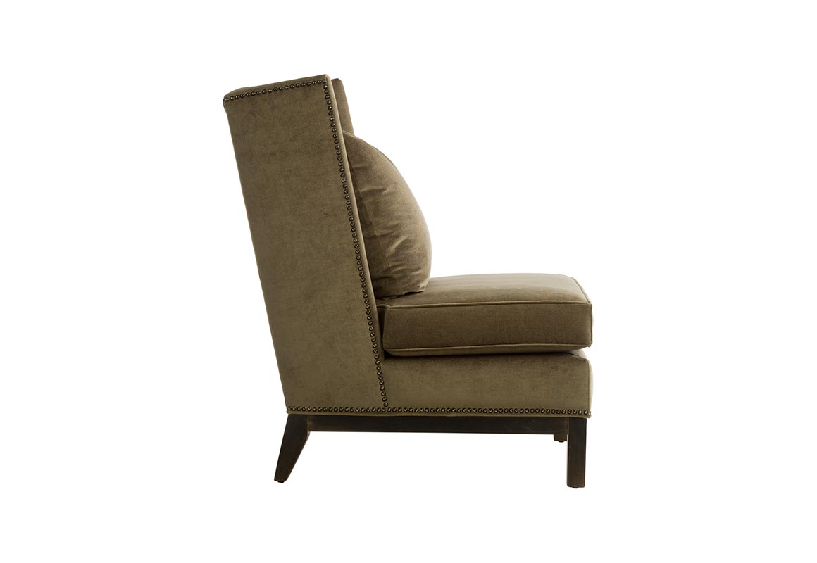 11135 Deluxe Slipper Wing Chair Vogel By Chervin