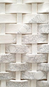 gewebtes Porzellan - Corinna Bernshaus