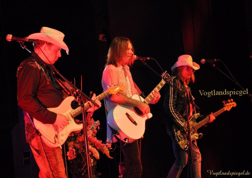 Creedance Clearwater Revival - Hey Tonight Live 2013 in der Vogtlandhalle