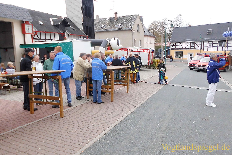 Greizer Fanfarenzug spielte zum Feuerwehrfest in Langenwetzendorf
