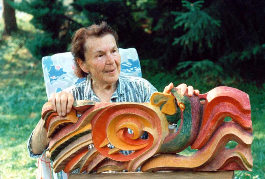 Bildhauerin Elly-Viola Nahmmacher