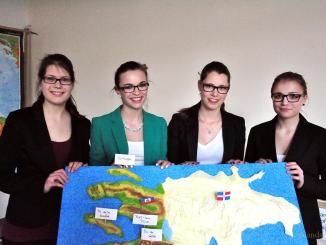 Zehntklässlerinnen der Lessingschule Greiz präsentieren Projektarbeit