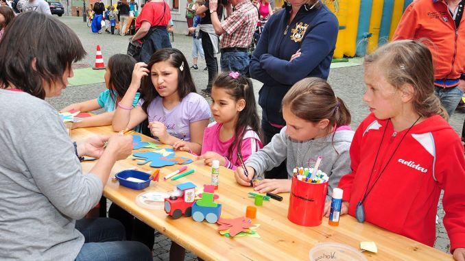 Tollen Kindertag auf dem Greizer Kirchplatz gefeiert