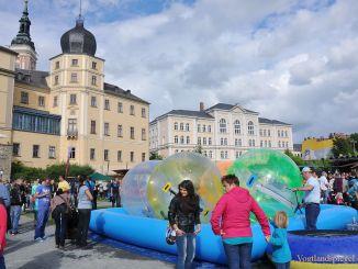 Buntes Händlertreiben zum Greizer Park-und Schlossfest