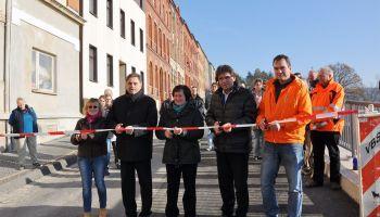 Kleines Straßenfest zur Eröffnung der Stützmauer in Georg-Herwegh-Straße