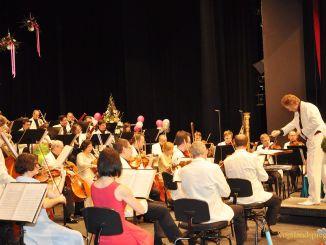 Fast zweieinhalb Tausend Gäste erleben Silvesterkonzerte in Vogtlandhalle Greiz