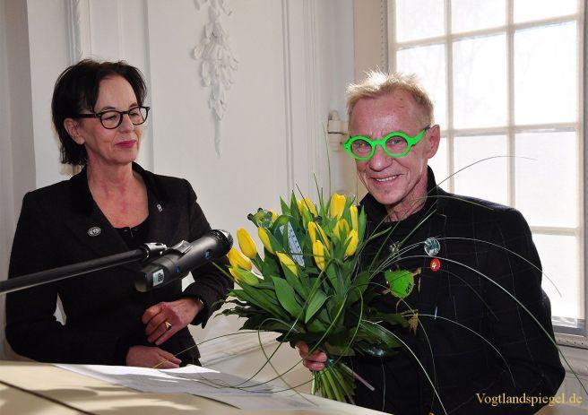 Rainer Bach stellt FROSCHiges im Sommerplais Greiz aus