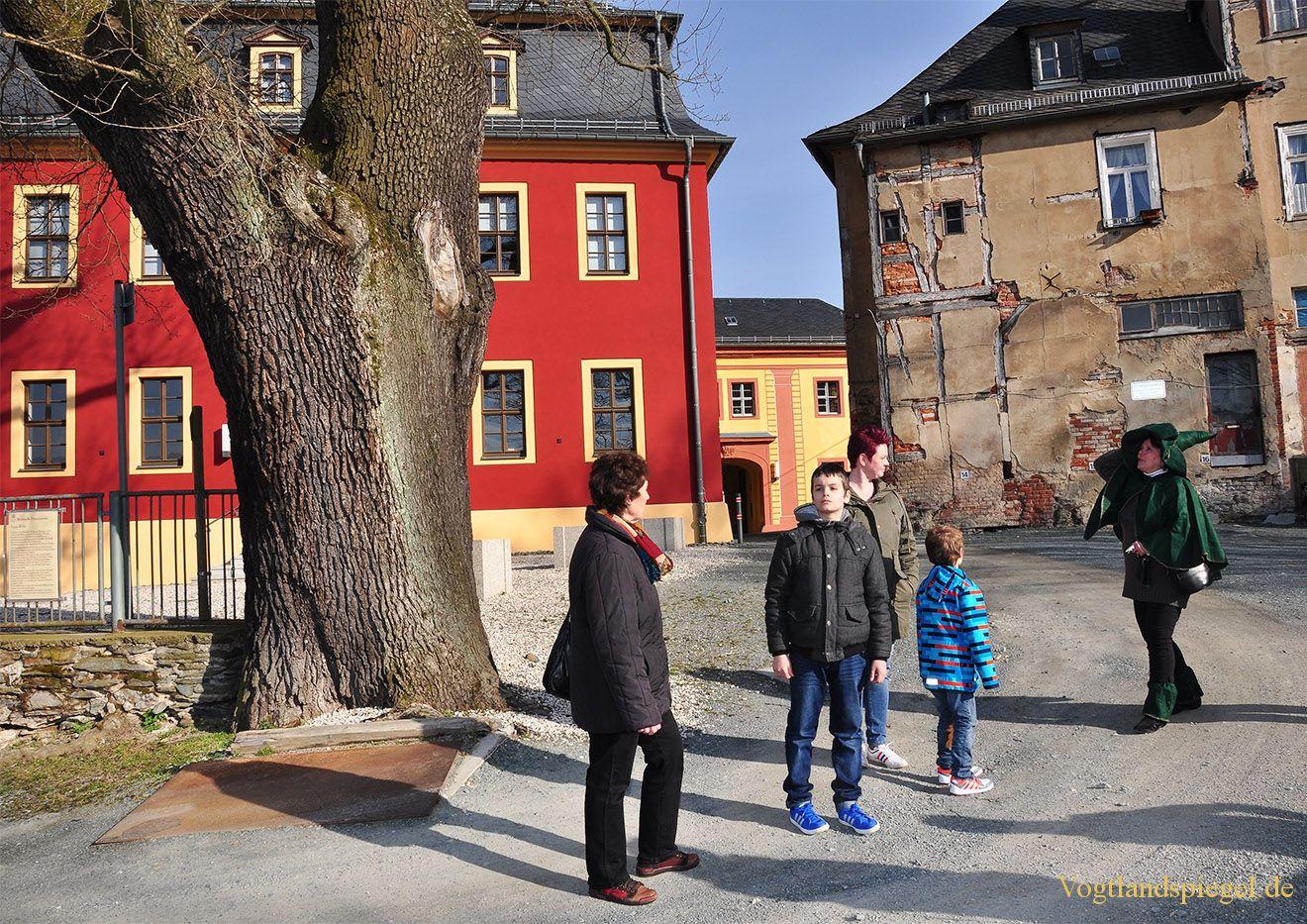 """Troll""ige Geschichten vom Oberen Schloss"