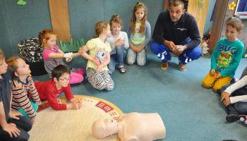 Zaschberg-Grundschüler begeistert von Erste-Hilfe-Kurs