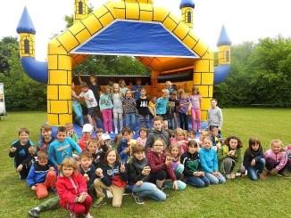 Obergrochlitzer Schüler holen Kindertag nach