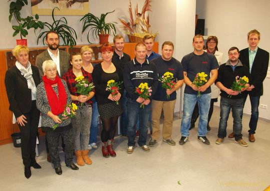 Ehrenurkunden an zehn ehrenamtlich Tätige überreicht