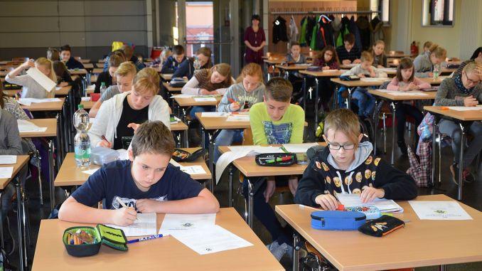 Ulf-Merbold-Gymnasium Greiz: Mathe-Asse stellen sich Olympiade-Aufgaben
