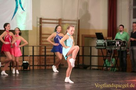 Tanzsportverein Greiz entführt in kunterbunte Tanzsportwelt