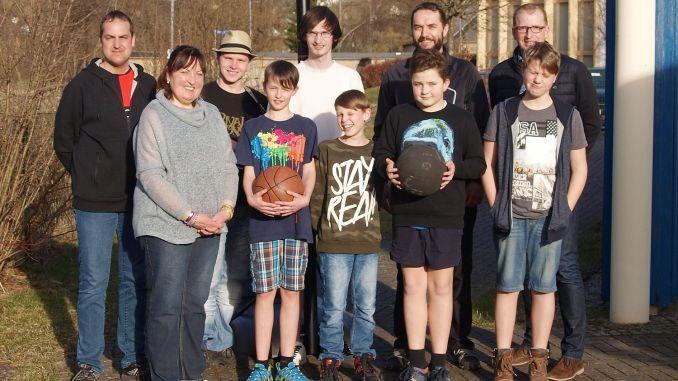 Berga: Basketbälle für Street-Basketball-Anlage im Jugendclub