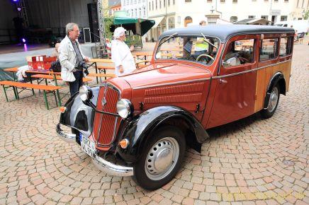 Historische Fahrzeuge live und in Farbe auf dem Greizer Markt