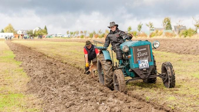 Traktorfreunde Ostthüringen: Erfolgreiche Reise in die Welt des Pflügens