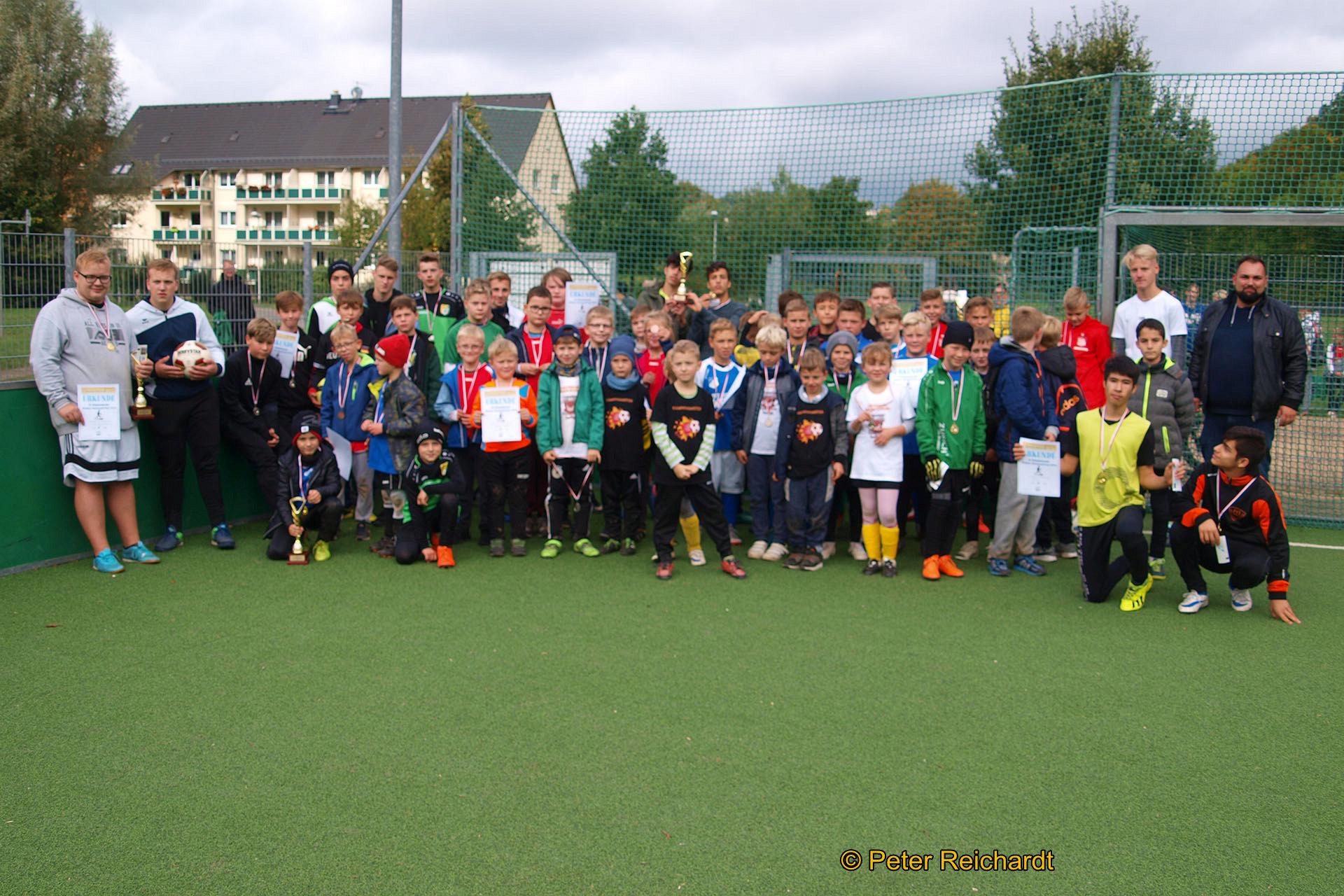 17 Mannschaften in vier Altersklassen kämpften auf dem Greizer DFB-Minispielfeld um den Greizer Neustadt-Pokal 2019.