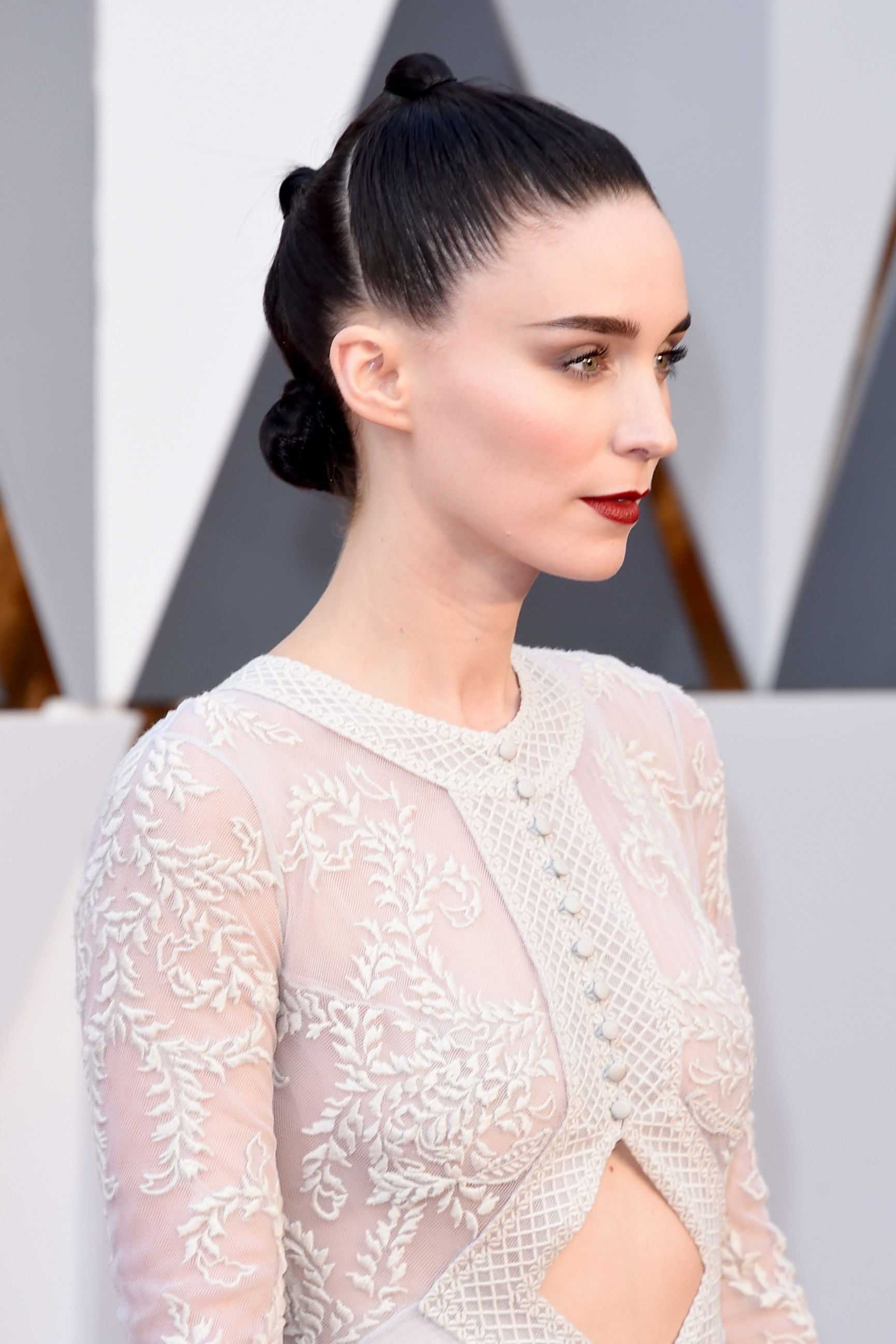 Oscars Red Carpet 2016 Rooney Maras Triple Bun And Red