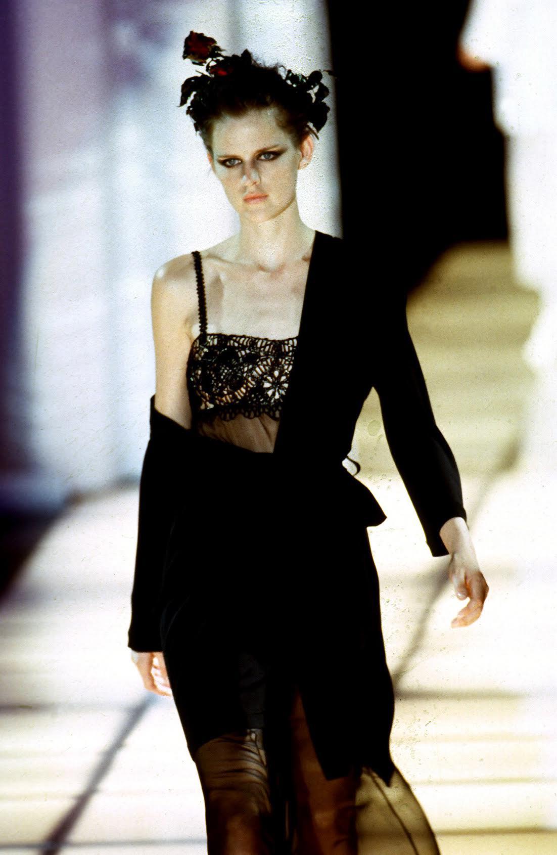 Versaces Unexpected Models Stella Tennant Karen Elson