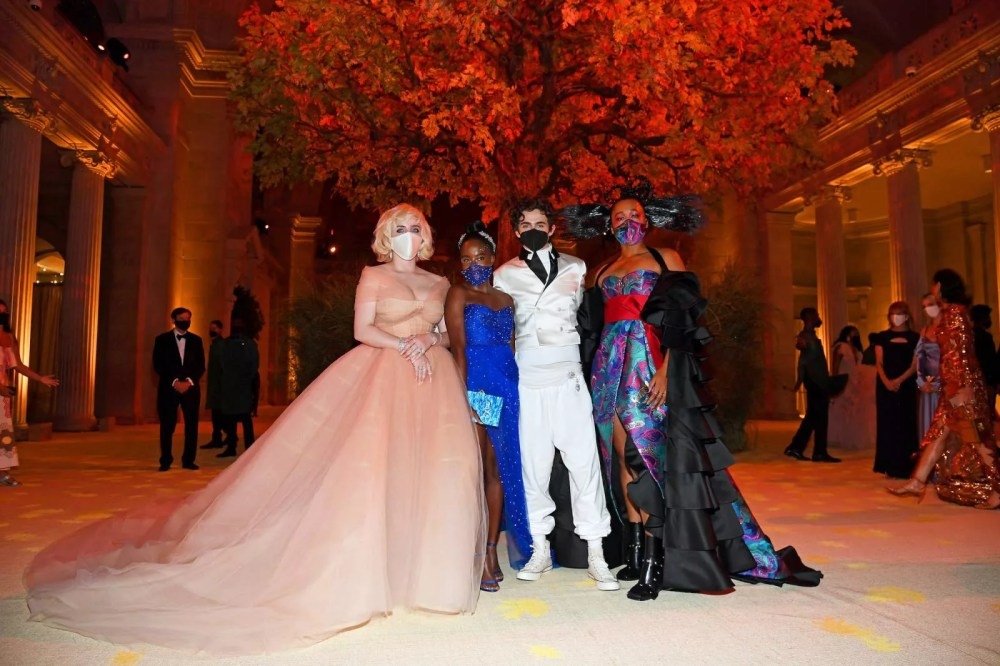 Billie Eilish with other co-hosts of this year's MET Gala - Amanda Gorman, Timothée Chalamet and Naomi Osaka / Photo.  Getty Images