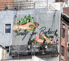 Blondey McCoy: tre murales per Burberry da vedere a New York