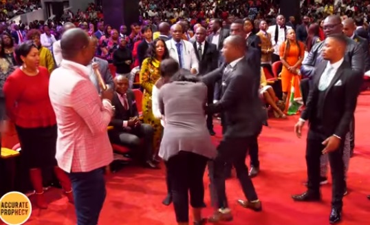 Pamela why - UNBELIEVABLE! A FIGHT breaks out in church - Accurate Prophecy with Alph LUKAU