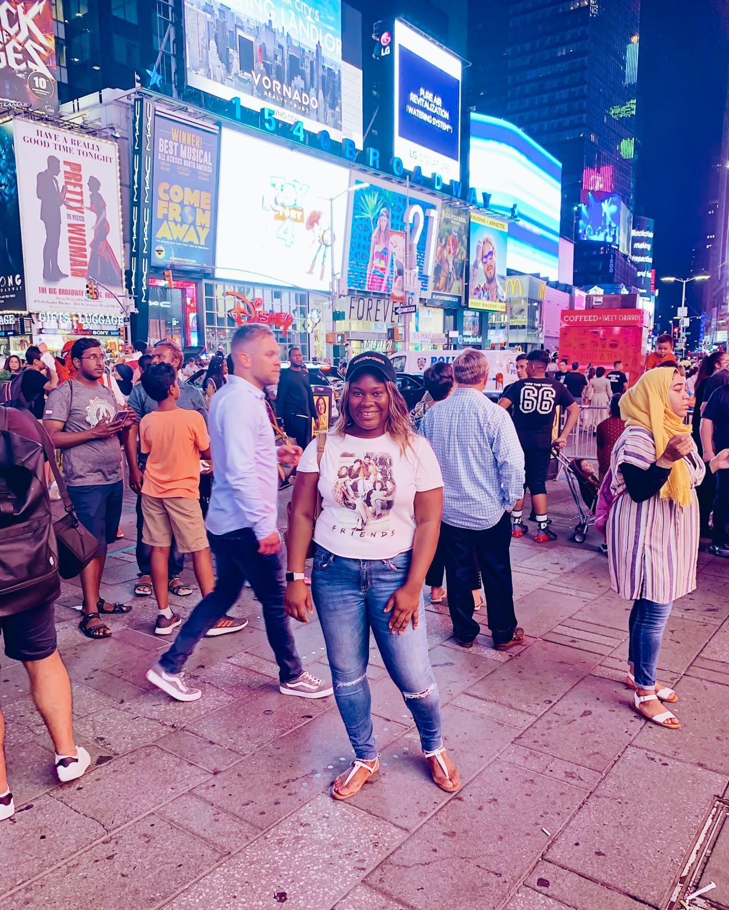 Vera in Time Square - New York Travel