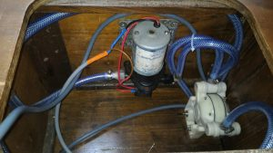 Comment installer un nouveau circuit d'eau douce sur un voilier