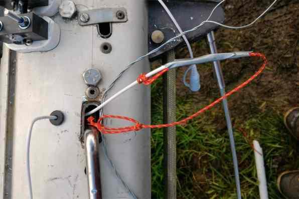 passage cable mat voilier