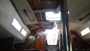 passage câbles roof beneteau first32
