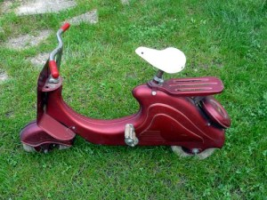 scooter rouge droite