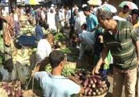 একদিকে লকডাউন অন্যদিকে কেনাকাটায় মেতে উঠেছে ময়মনসিংহবাসী