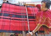 হারিয়ে যাচ্ছে মণিপুরি তাঁতশিল্প
