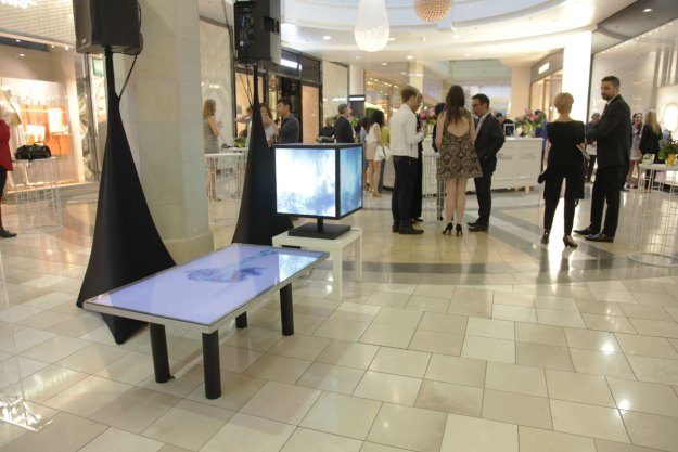 Volanti Displays Westfield Mall